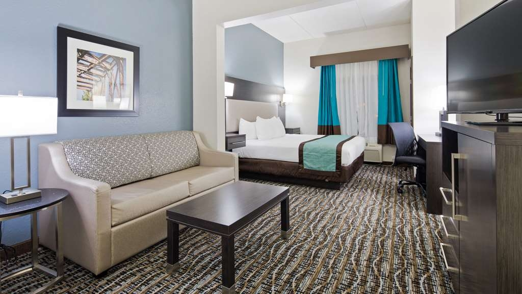 Best Western Waldo Inn & Suites - Our King Suites offer a larger floor plan as well as a sofa bed for your enjoyment.