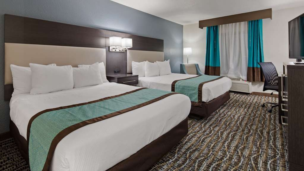 Best Western Waldo Inn & Suites - Our Queen Guest Rooms Feature two Queen sized beds so that everyone can be comfortable.