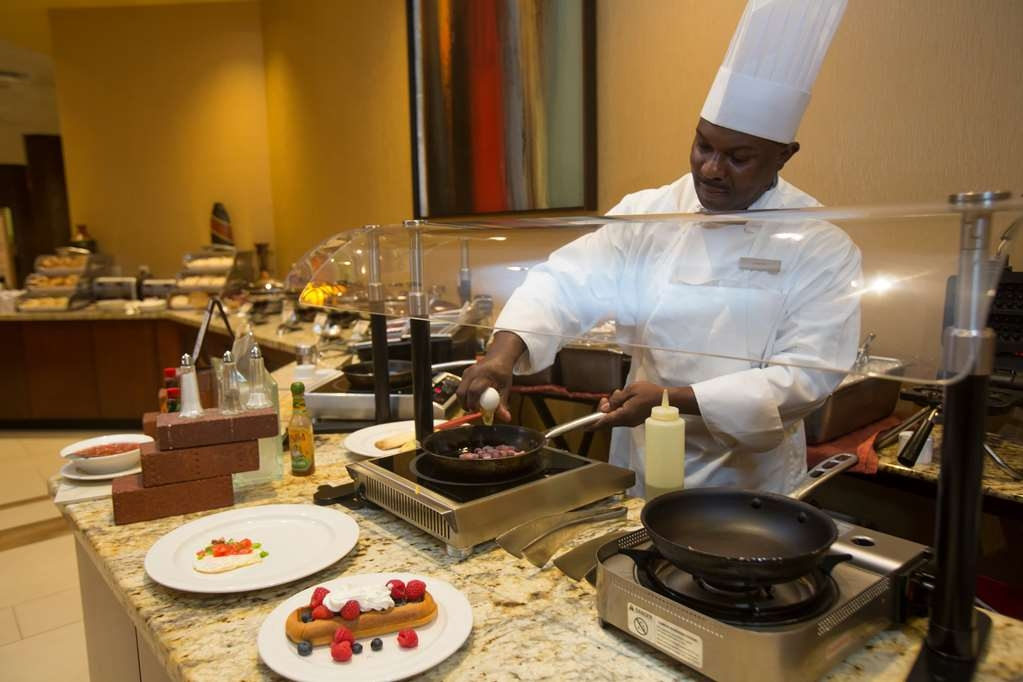 The Florida Hotel & Conference Center, BW Premier Collection - Marcelos Bistro Breakfast Buffet