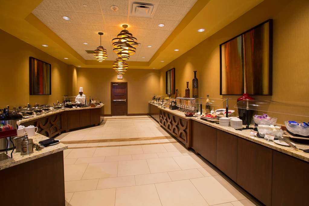The Florida Hotel & Conference Center, BW Premier Collection - Discover a relaxing atmosphere and delicious dining at Marcelo's Bistro just off the lobby.