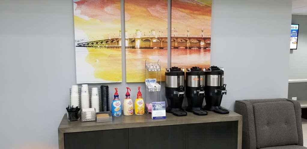 Best Western Plus St. Augustine I-95 - Lobby Coffee Area