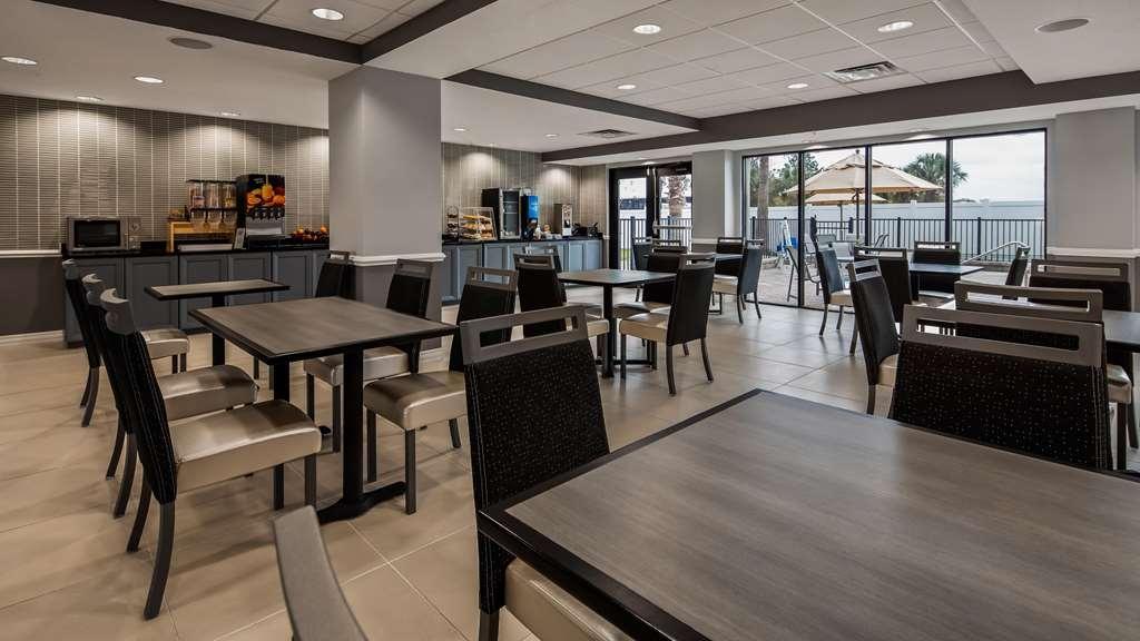 Best Western Plus St. Augustine I-95 - Breakfast Area