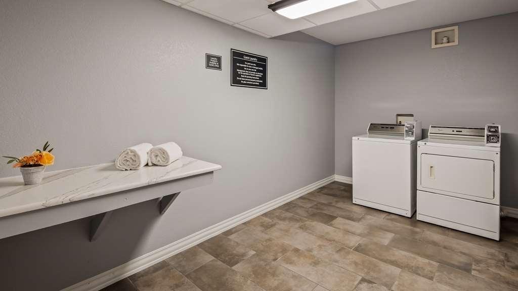 Best Western Plus St. Augustine I-95 - Laundry Facility