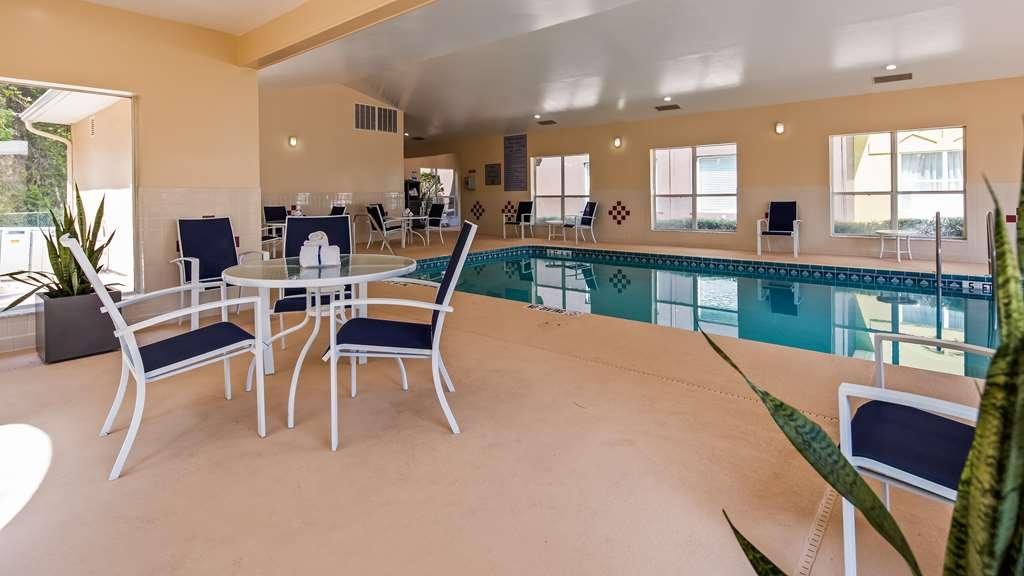 Best Western Plus Lake City - Vue de la piscine