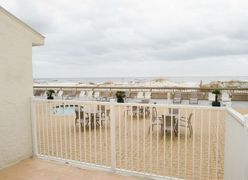Best Western on the Beach - Outdoor Deck