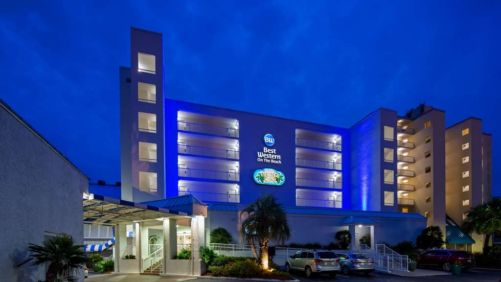 Best Western on the Beach - Hotel Exterior at Night