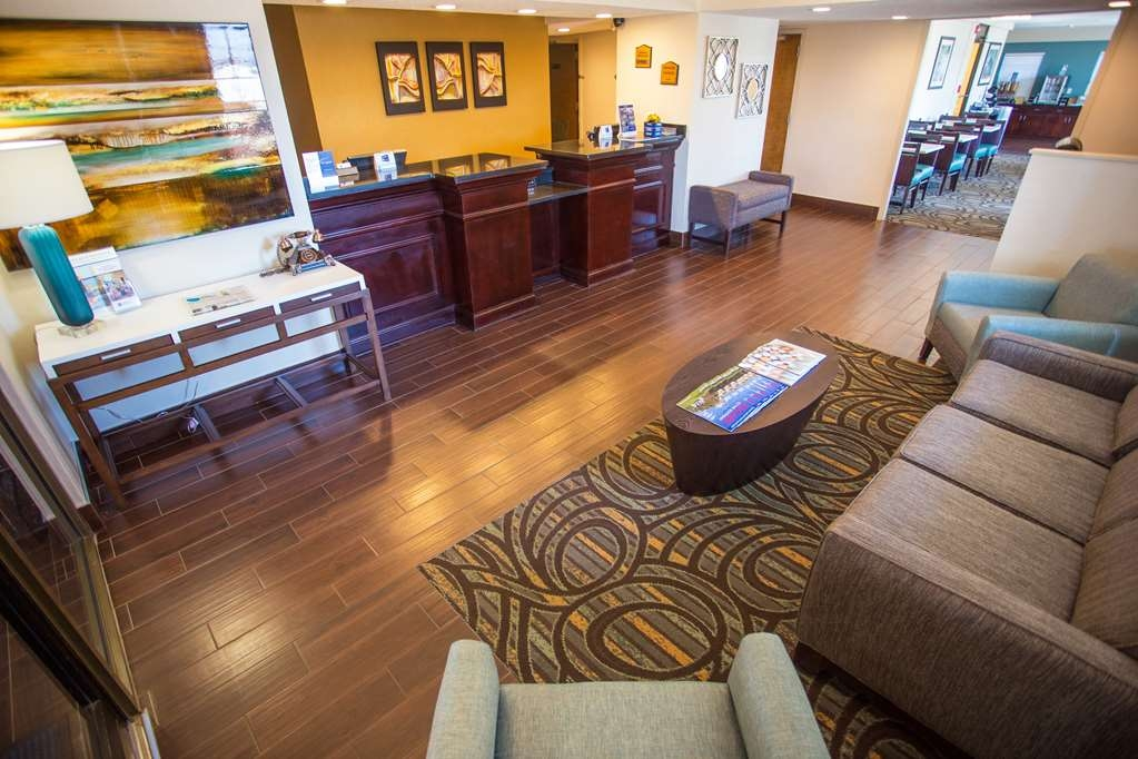 Best Western Athens Inn - Business and leisure travelers alike will notice our lobby is the perfect refuge for today's tired traveler.