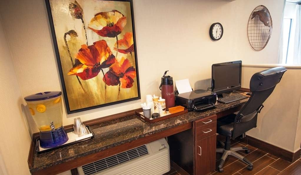 Best Western Athens Inn - Free high-speed internet and printer capabilities are available for you in our business center.