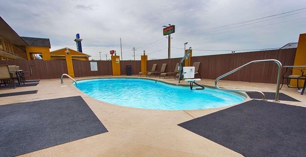 Best Western Athens Inn - Schwimmbad