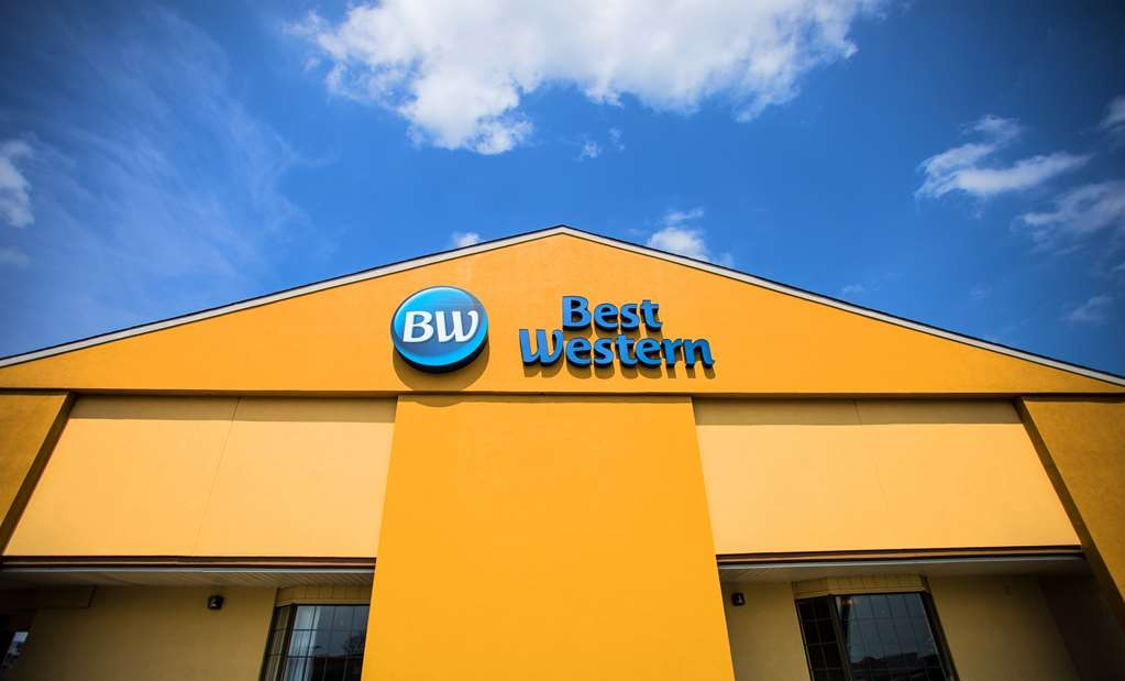 Best Western Athens Inn - Pull up and make yourself at home at the Best Western Athens Inn.