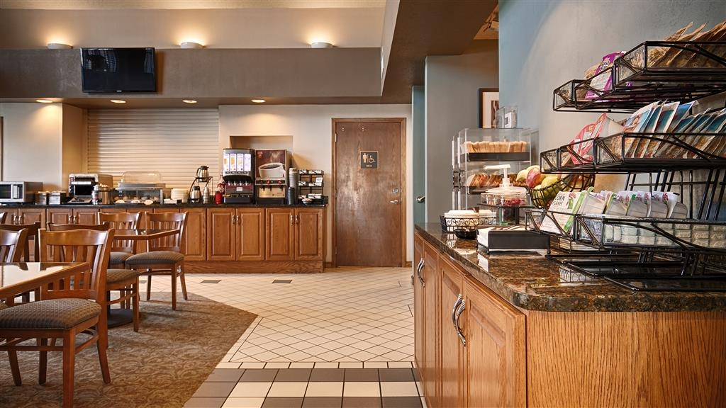 Best Western University Inn - Breakfast Area