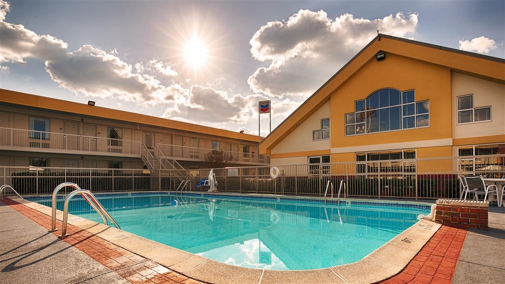 Best Western University Inn - Pool