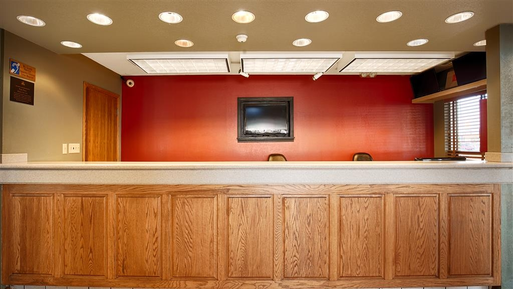 Best Western University Inn - Front Desk