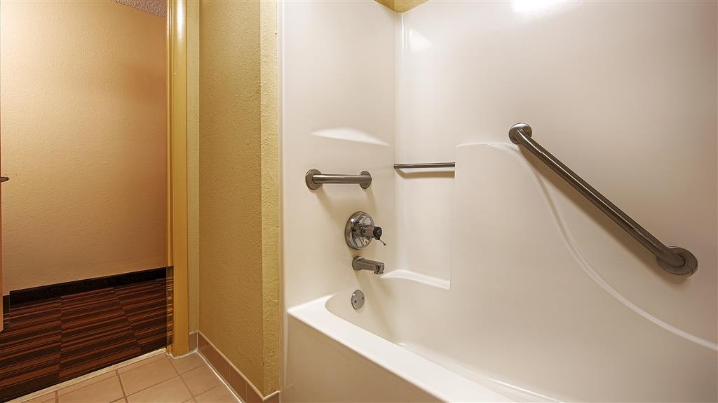 Best Western Greenville Inn - Our mobile accessible rooms provide for easy access in and out of the bath.