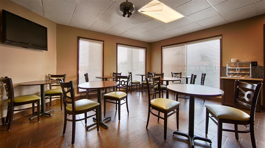 Best Western Fairwinds Inn - Prima colazione a buffet