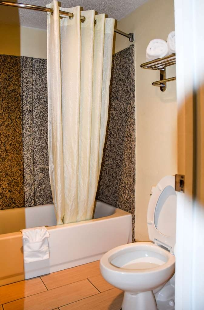 Best Western Fairwinds Inn - Baño