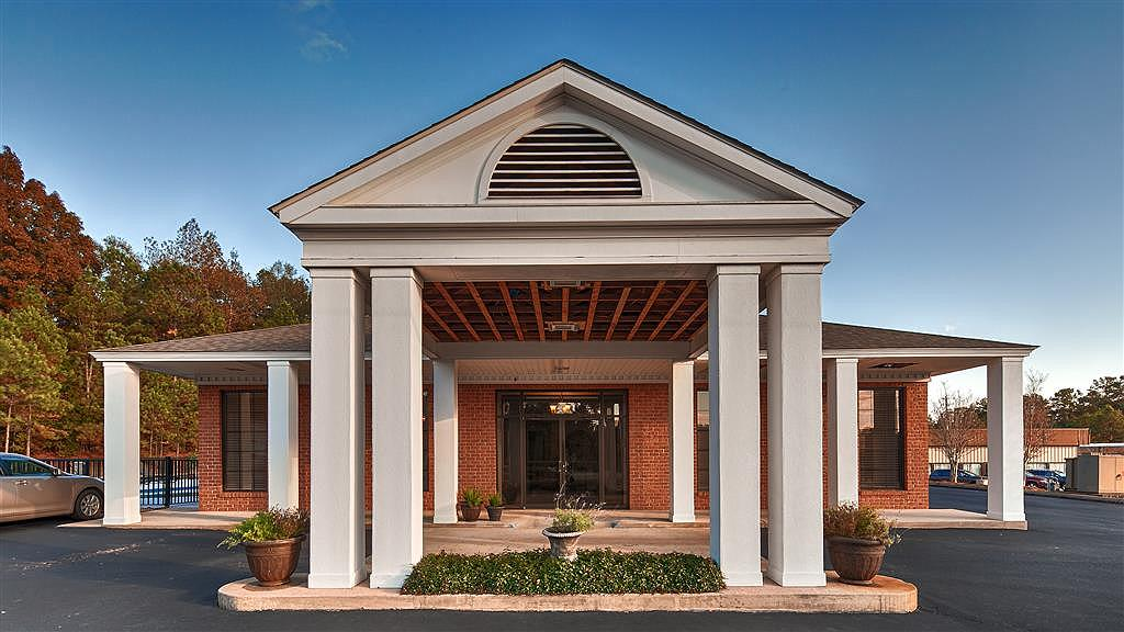 Best Western Suites - The Best Western Suites is the perfect spot for your next visit to Jackson, AL.