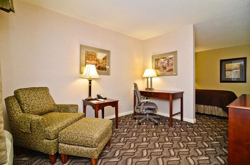 Best Western Suites - Suite avec lit queen size