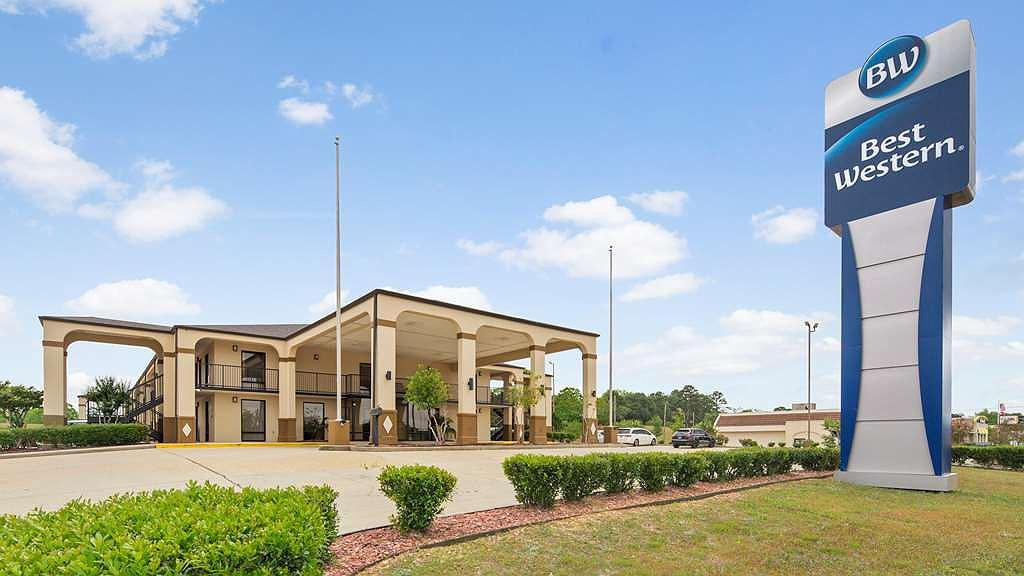 Best Western Andalusia Inn - Our hotel is the perfect place for a romantic getaway, family outing or to simply rest your head.