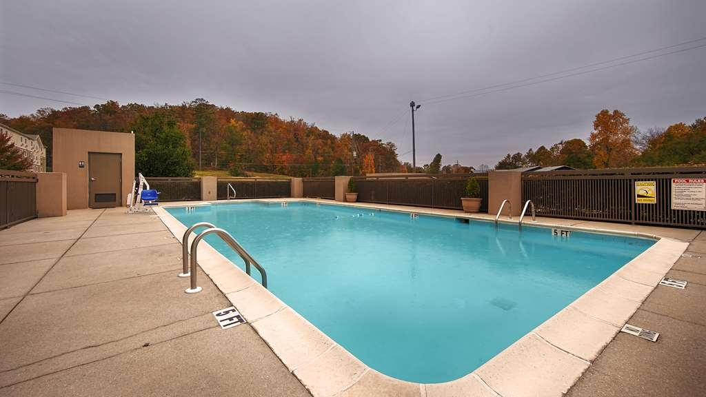Best Western Plus Oak Mountain Inn - Vue de la piscine
