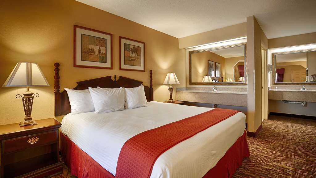 Best Western Inn - At the end of a long day relax in our clean fresh one king bed guest room.