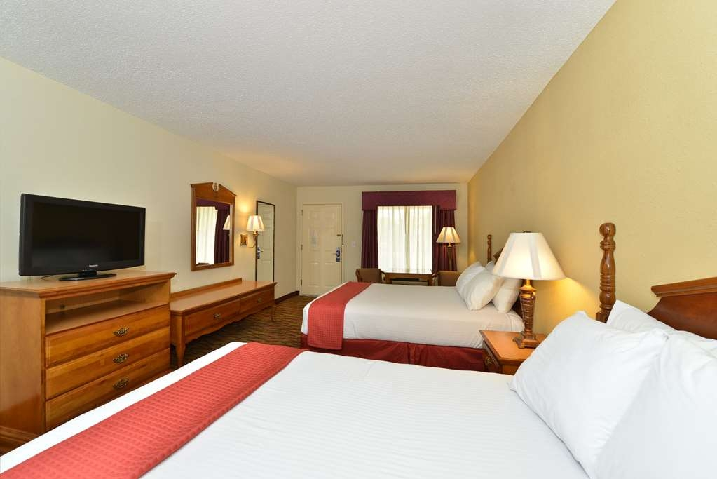 Best Western Inn - There is plenty of room for 4 in our double queen guest room.