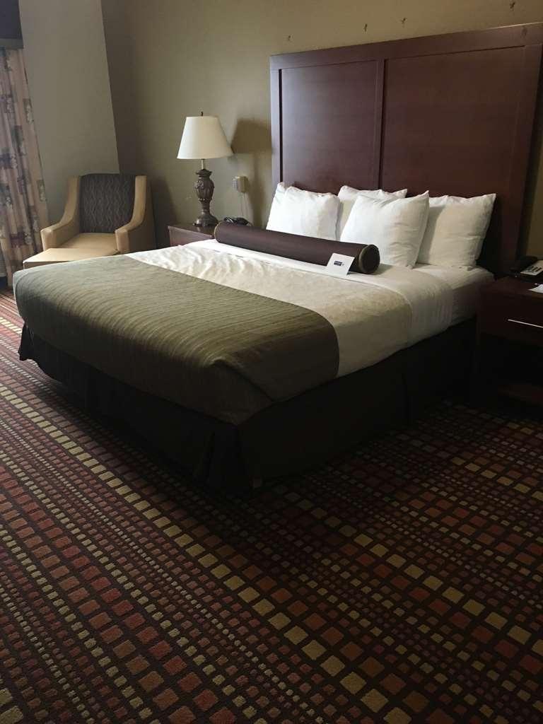 Best Western Plus Gadsden Hotel & Suites - Guest Room