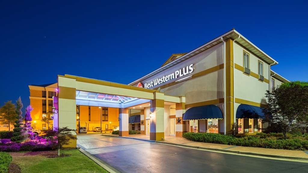 Best Western Plus Carlton Suites - BEST WESTERN PLUS Carlton Suites