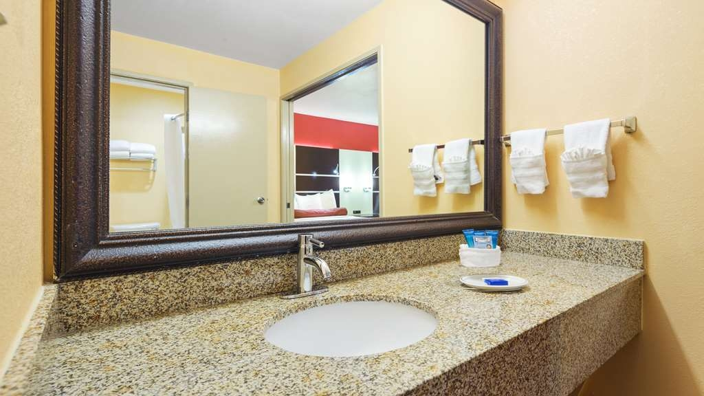 Best Western Plus Carlton Suites - We take pride in making everything spotless for your arrival.