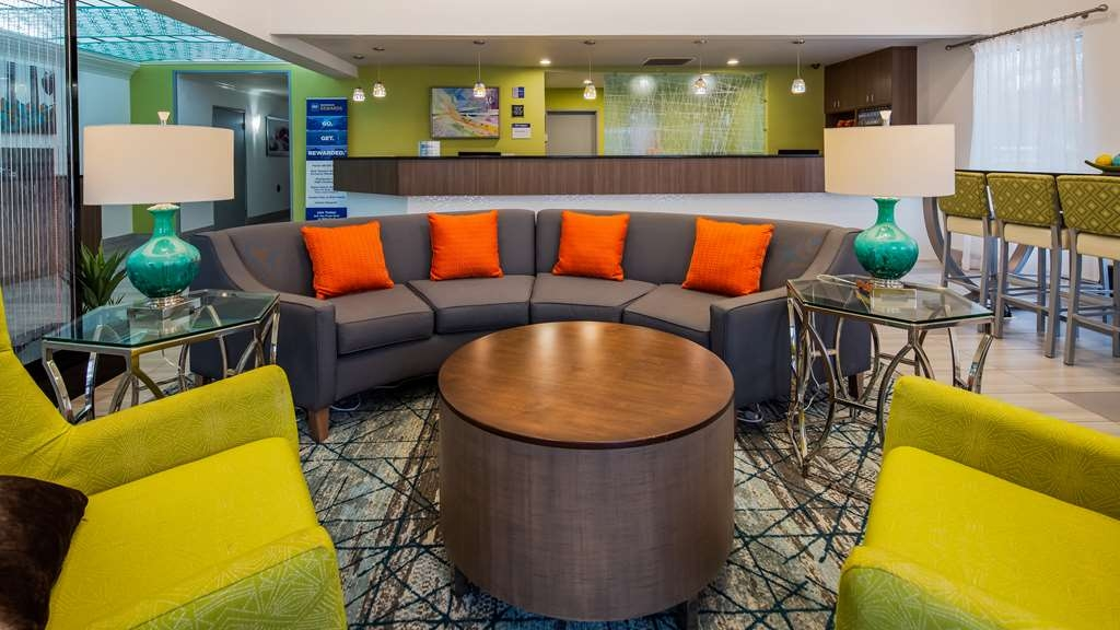 Best Western Plus Carlton Suites - Vue du lobby
