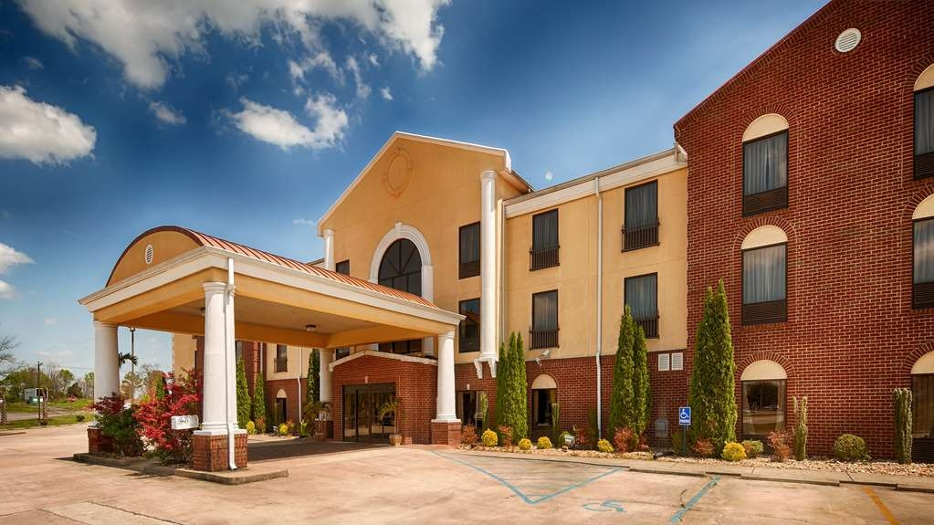 Best Western Plus Bass Hotel & Suites - Vista Exterior