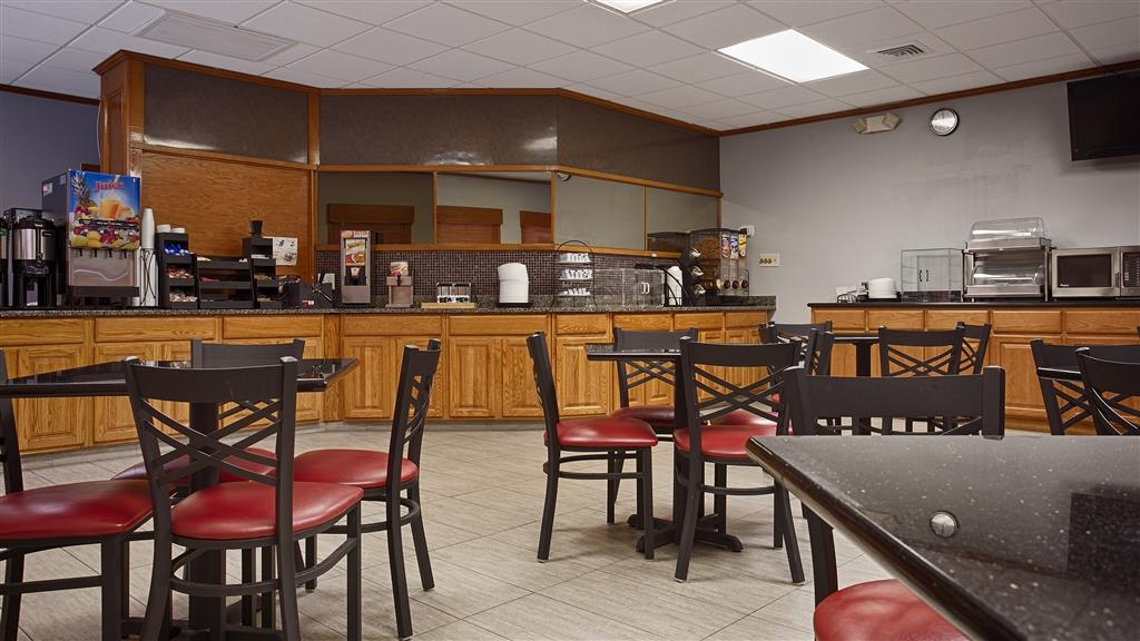 Best Western Central Inn - Start your day off right with a complimentary full breakfast.