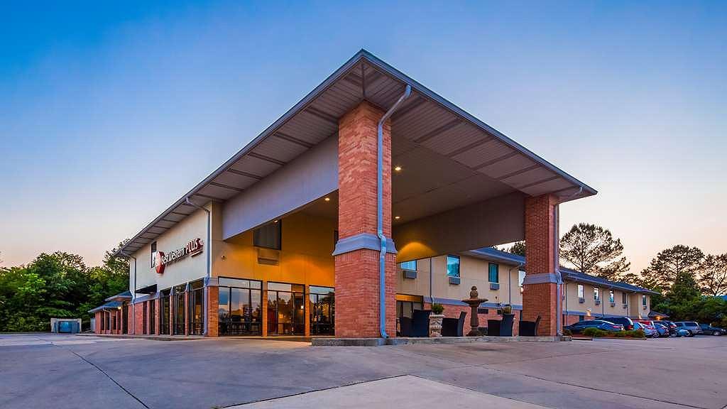 Best Western Plus Two Rivers Hotel & Suites - Area esterna
