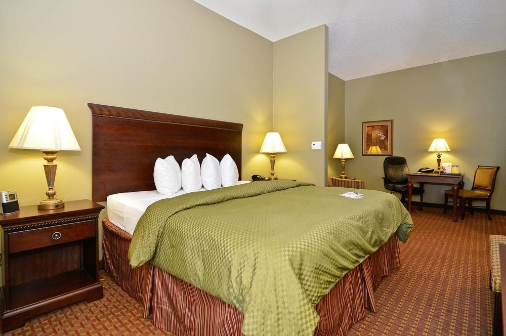 Best Western Plus Two Rivers Hotel & Suites - Suite