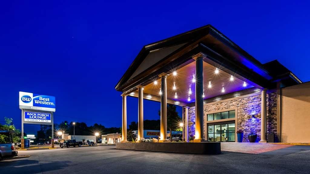 Best Western Riverside Inn - Hotel Entrance