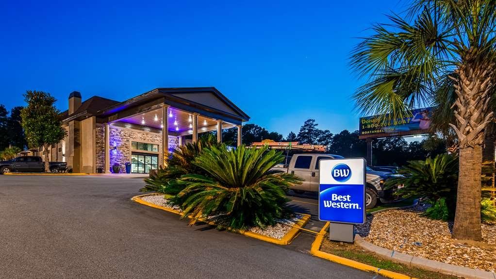 Best Western Riverside Inn - Facciata dell'albergo