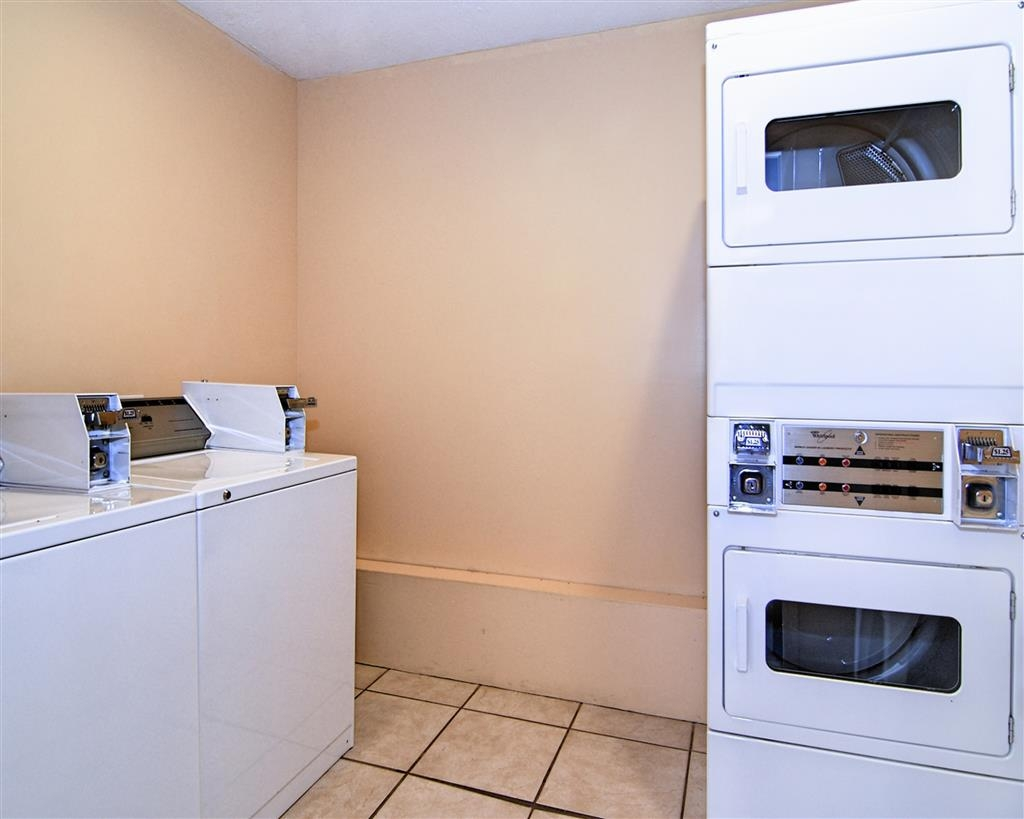 Best Western Auburn/Opelika Inn - Enjoy the convenience of on-site washers and dryers.