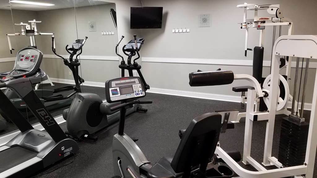 Best Western Auburn/Opelika Inn - Catch an episode of your favorite show while working off those pesky calories.
