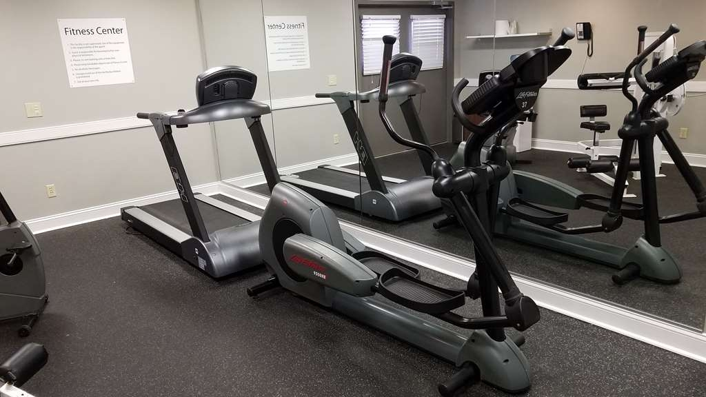 Best Western Auburn/Opelika Inn - Our fitness center allows you to keep up with your home routine even when you're not at home.