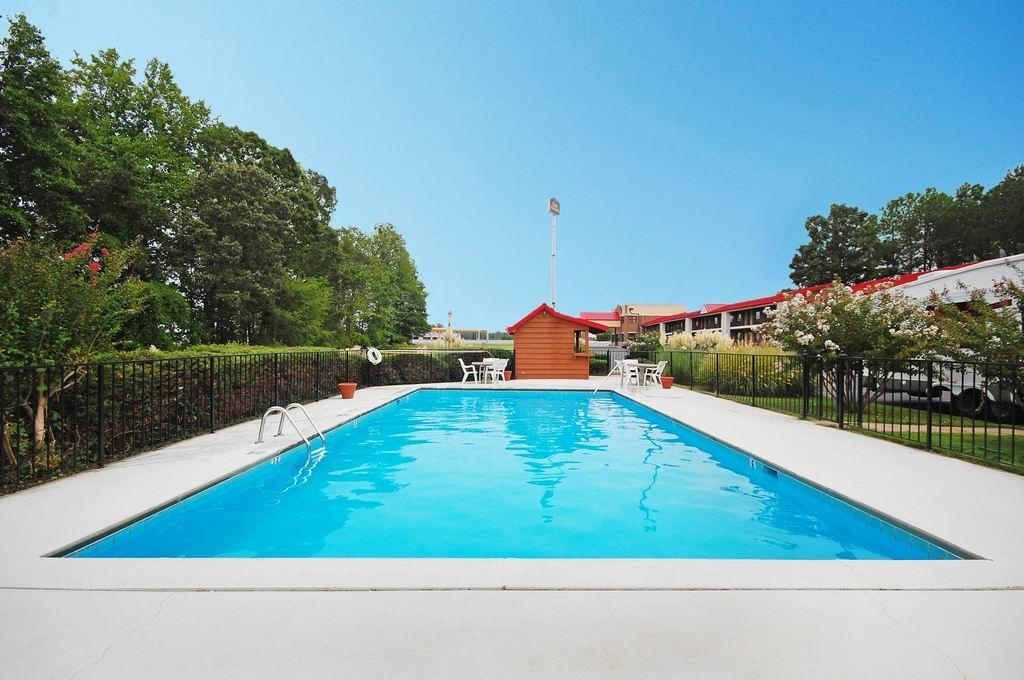 Best Western Acworth Inn - Piscina all'aperto