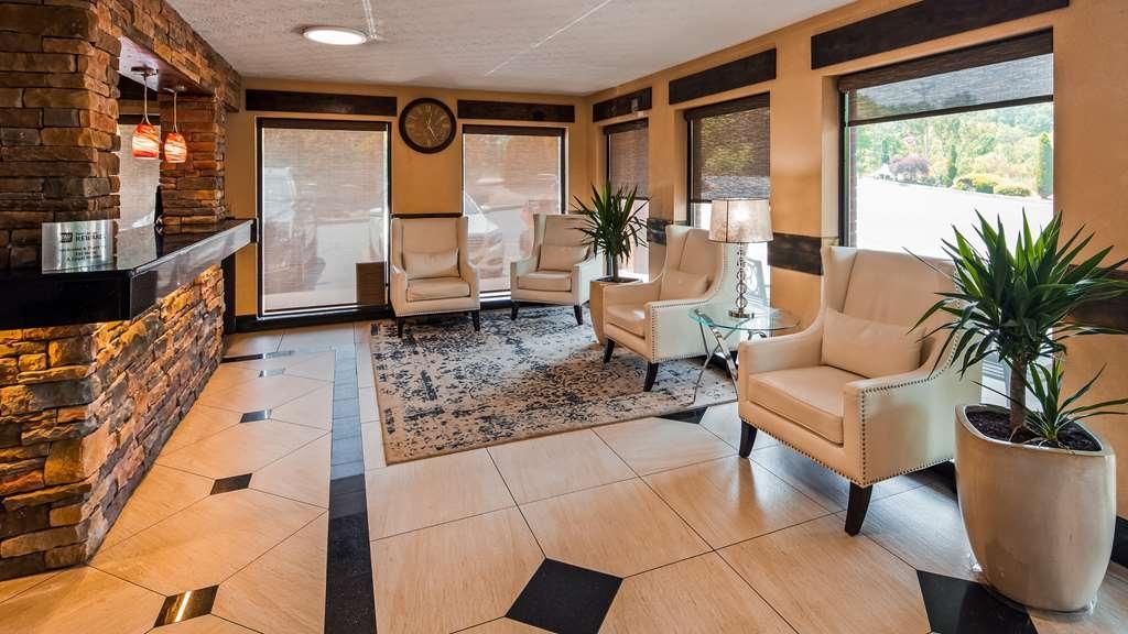 Best Western Braselton Inn - Vista del vestíbulo