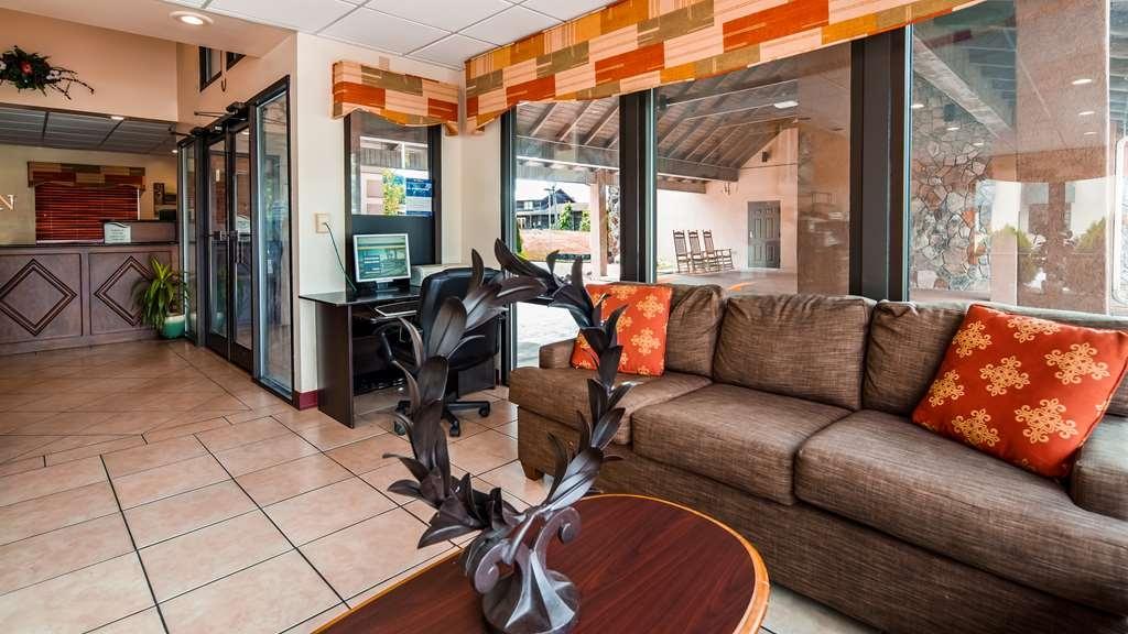 Best Western Milton Inn - Vista del vestíbulo