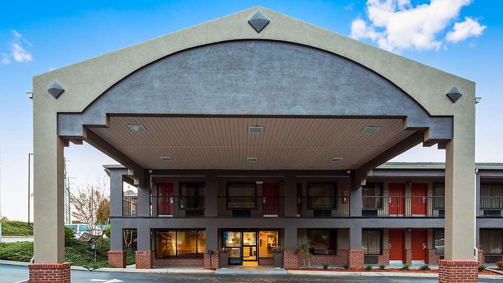Best Western Shenandoah Inn - Entrance