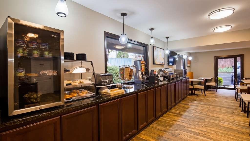 Best Western Shenandoah Inn - Breakfast