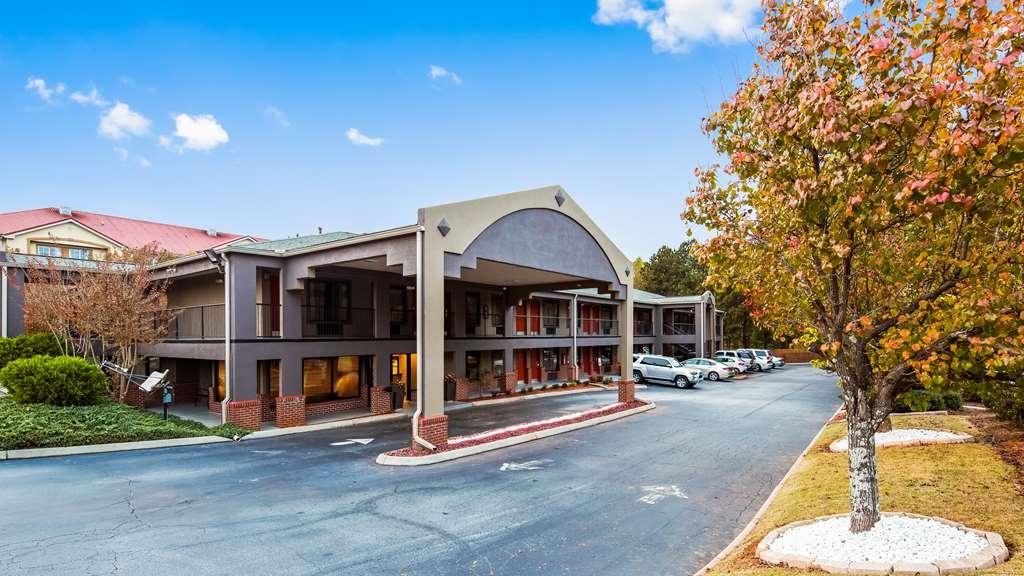 Best Western Shenandoah Inn - Exterior
