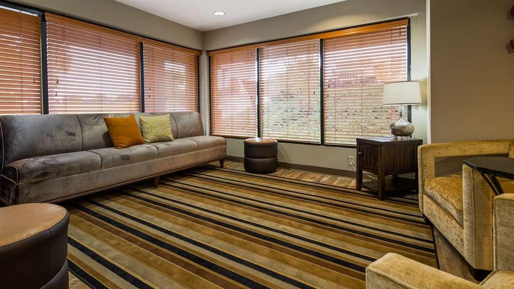 Best Western Shenandoah Inn - Lobby