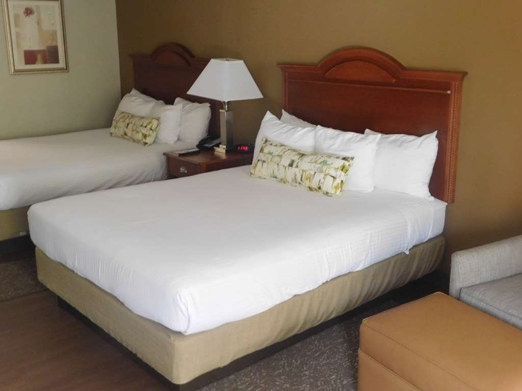 Best Western Shenandoah Inn - Two Queen Beds