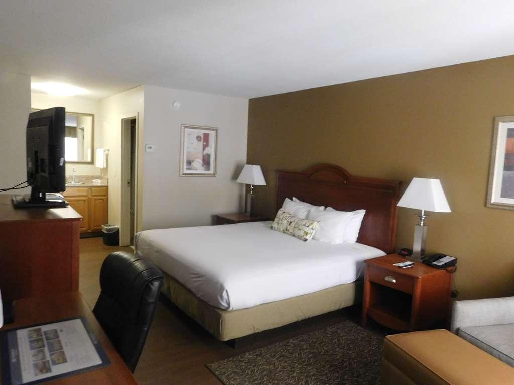 Best Western Shenandoah Inn - King bed
