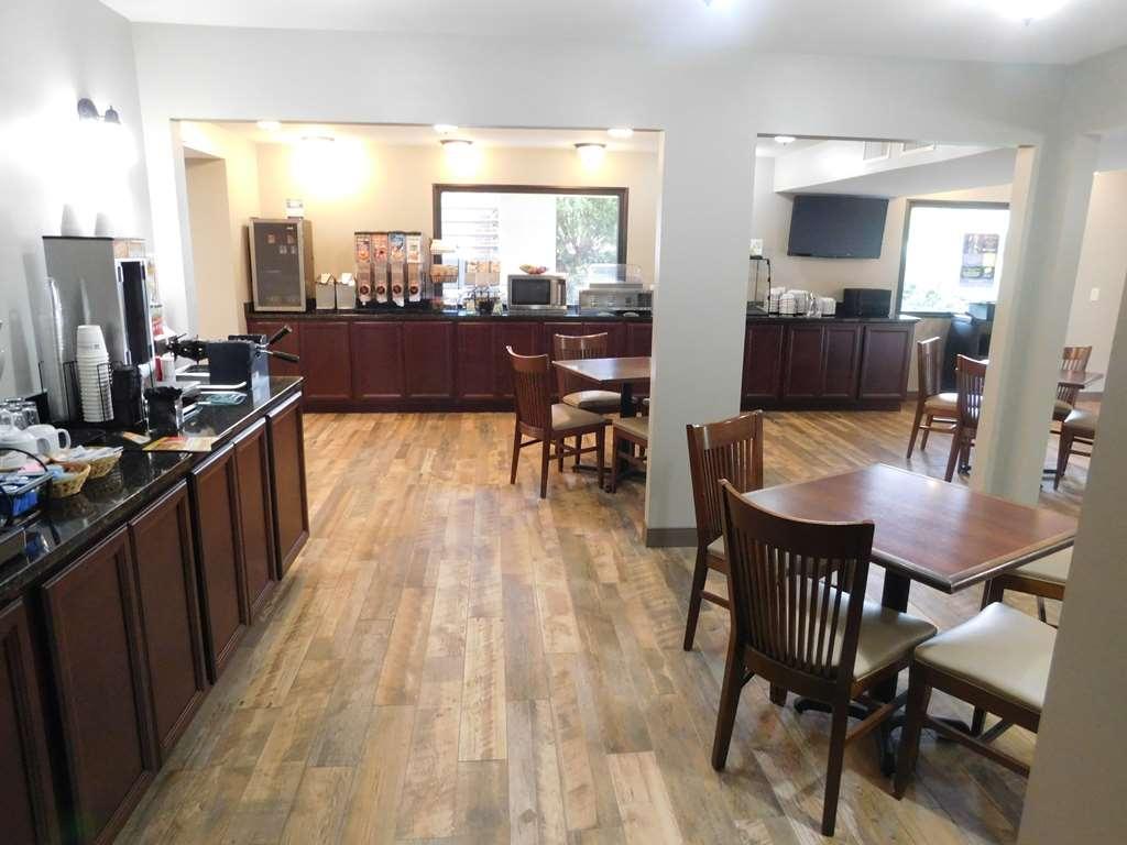 Best Western Shenandoah Inn - Zona de desayunos