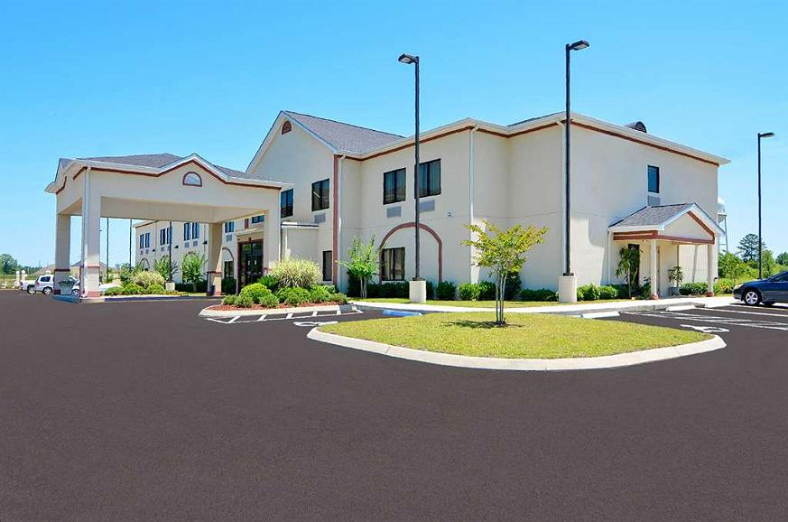 Best Western Opp Inn - The BEST WESTERN Opp Inn features award winning hospitality and a variety of accommodations.